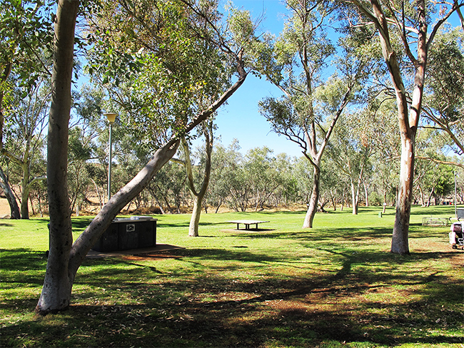 alice-springs-telegraph-station-picnic-area